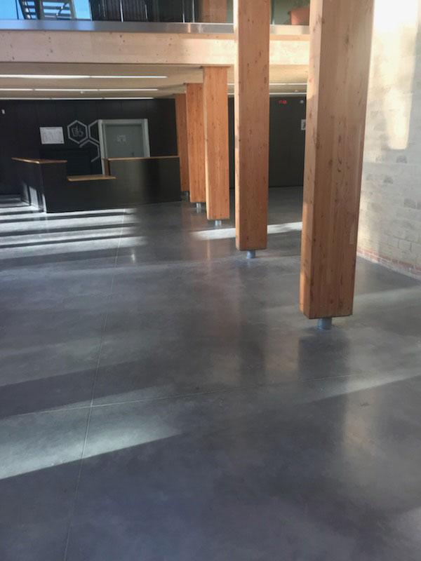 Chape de beton interieur 13 retirer un sol pvc pour y for Beton decoratif interieur