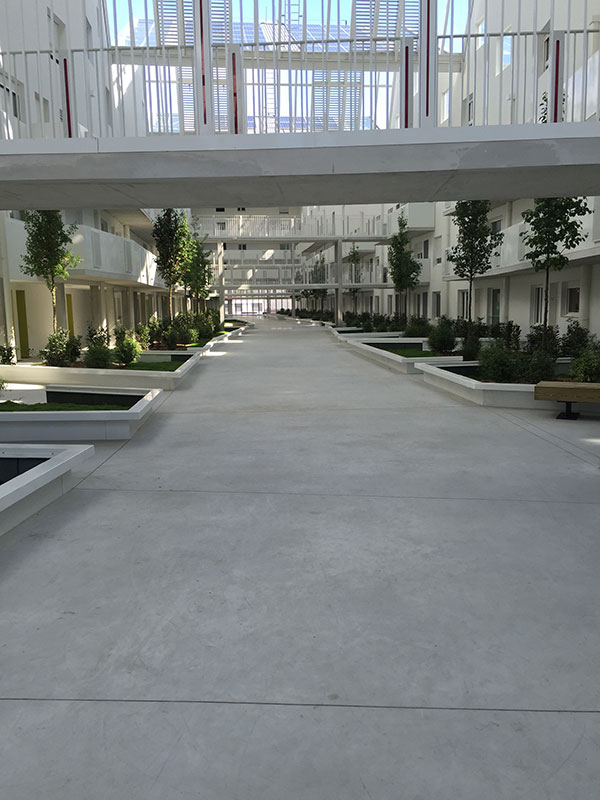 beton decoratif cour interieur